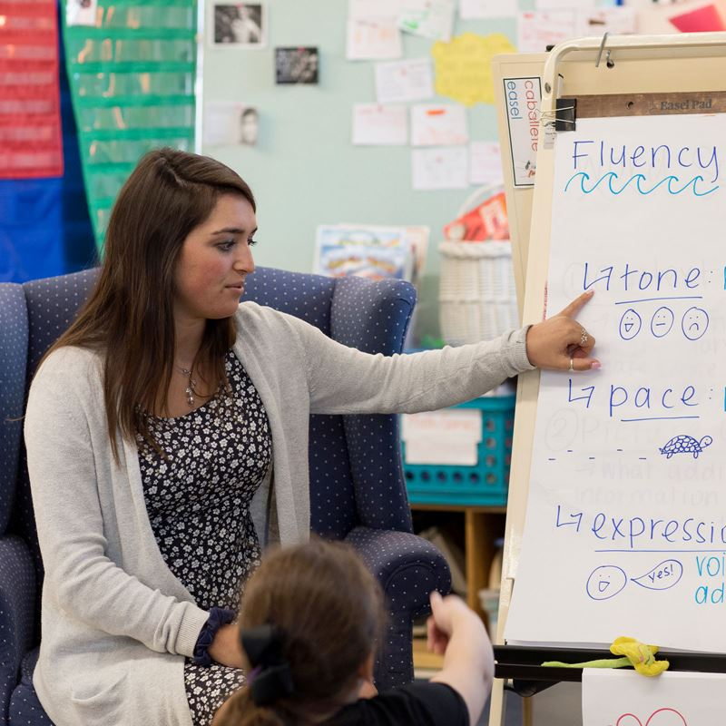 Endicott College student teacher at Bates Vacation Academy