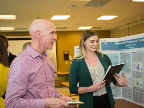 Endicott student gives thesis