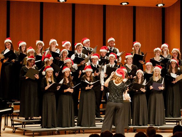 The Endicott Singers get into the holiday spirit with Lumens