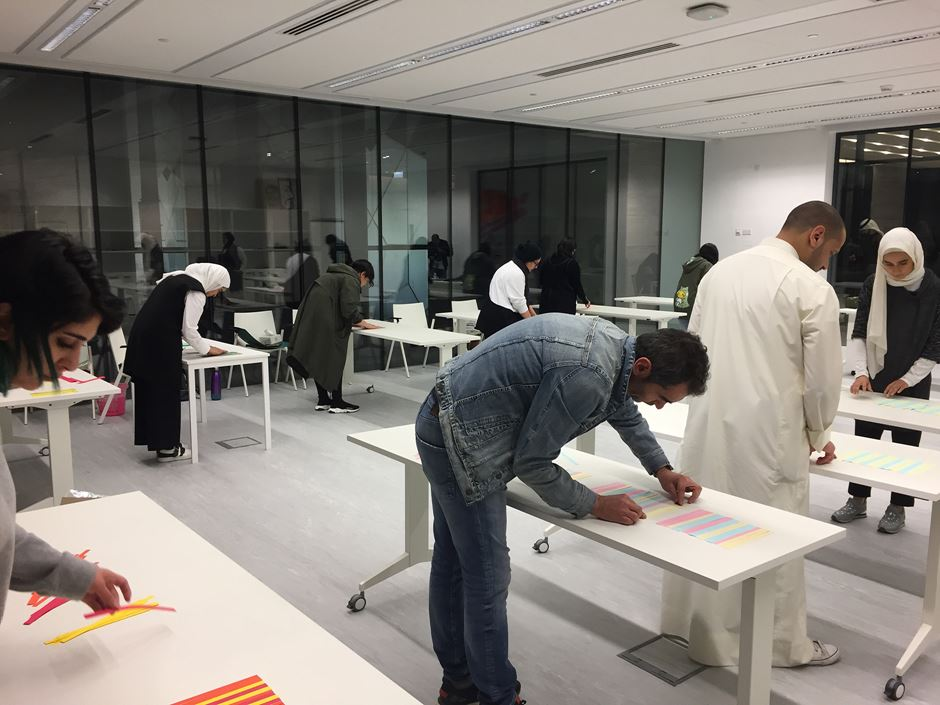 Visual Communications Chair, David Grey, leads design workshop in Kuwait City